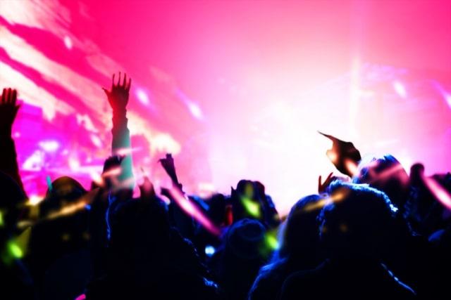 高校生バンドが文化祭で演奏すると盛り上がる曲